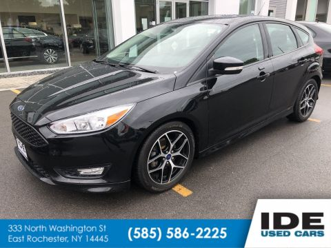 Pre-Owned 2016 Ford Focus SE FWD Hatchback